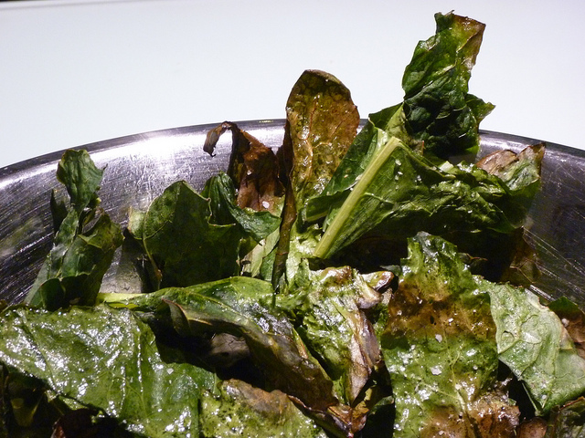 Sweet and salty kale crisps